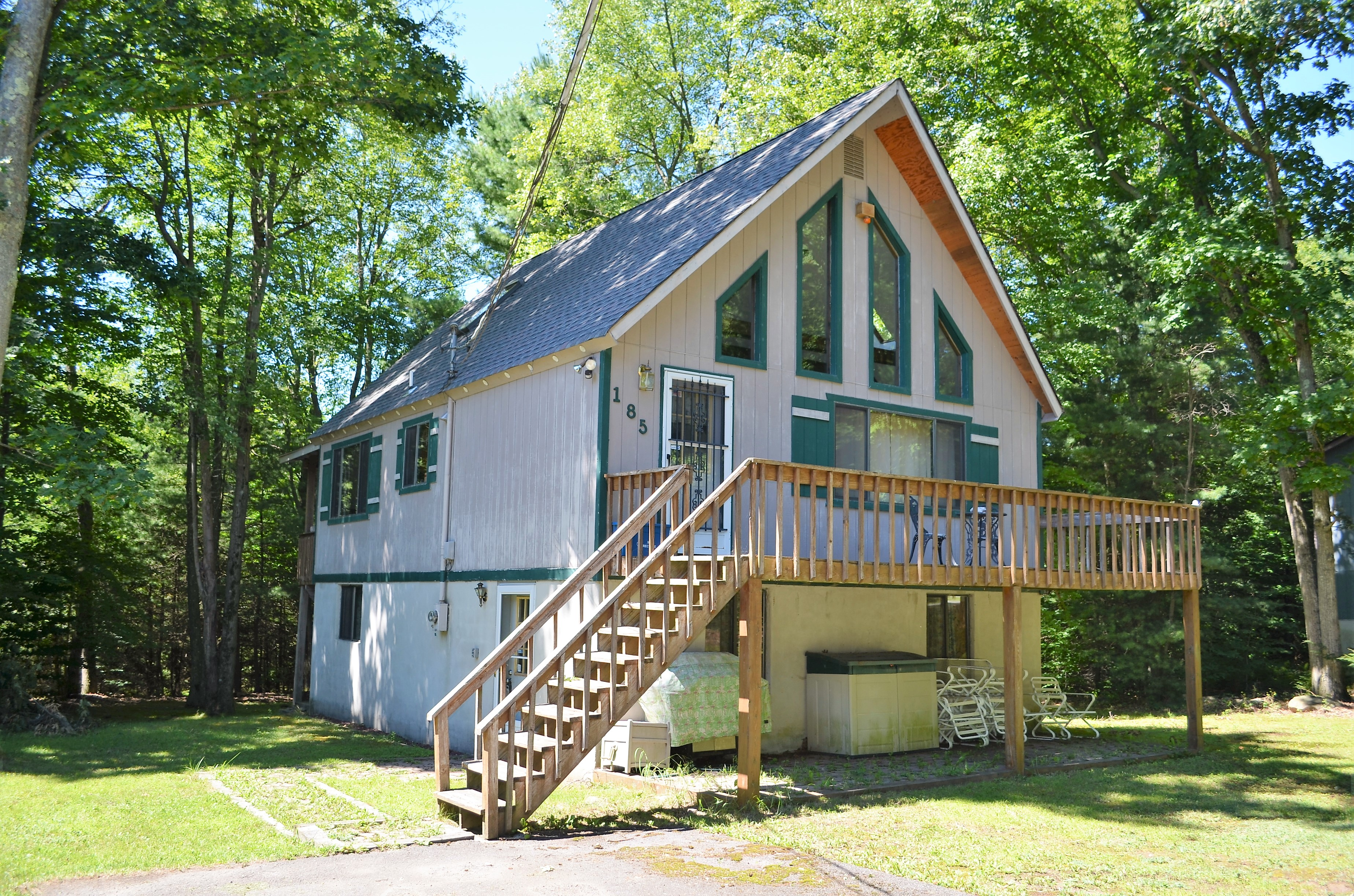 Large mountain chalet for sale in the poconos living pocono for Pocono homes